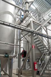Jätevedenpuhdistamolle valmistui tänä keväänä yli 900 000 euron hintainen hiekkasuodatuslaitteisto. Toimiva järjestelmä kuormittuu nykyisellään sadevesien takia.