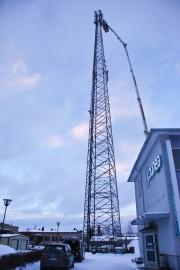Lounean toimipisteen vieressä on tehty nosturitöitä 4G-verkon laajentamiseksi.
