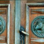48 Jakobsonin kotiseutumuseon ovi