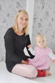 Heidi Bergström ja tyttärensä Isla.