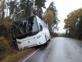bussi_ojaan