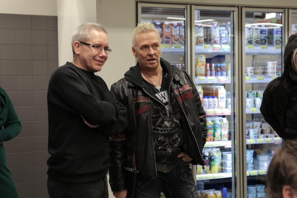 Elokuvan tuottaneen T2tuotannon Tomi Kaukolehto ja Kai Merilä pohtivat kohtauksen kuvauskulmia.