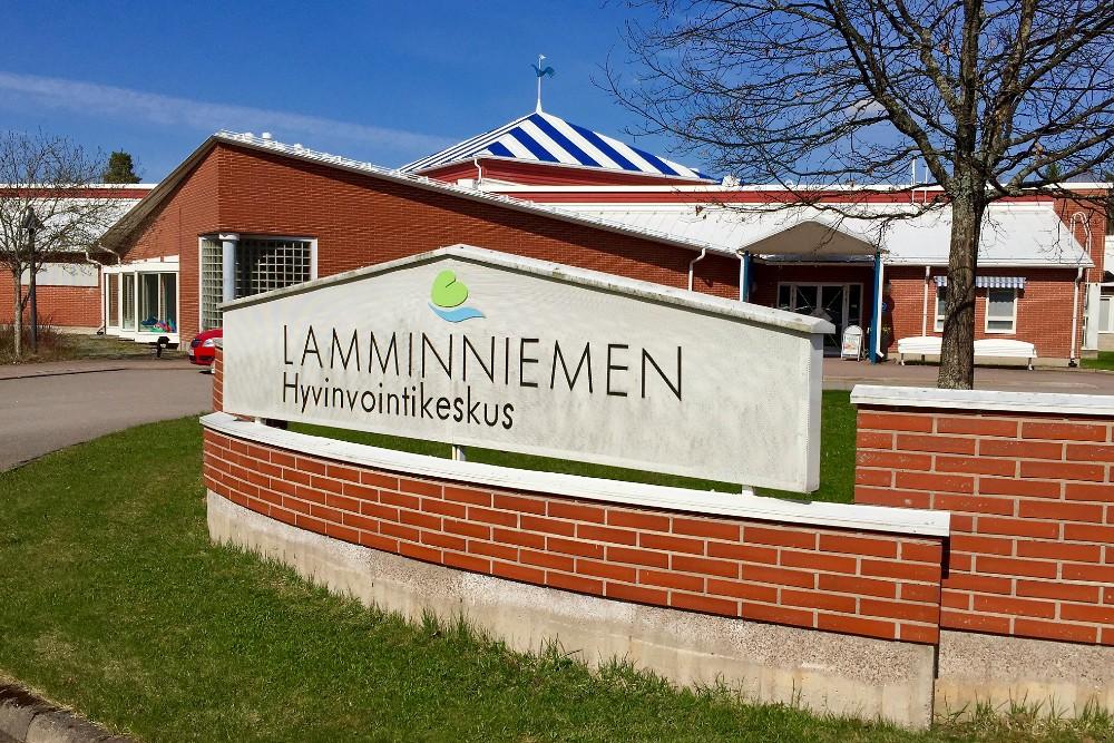 Lamminniemen Hyvinvointikeskuksen kiinteistö on hienossa kunnossa. Kiinteistönpito on ollut esimerkillistä. Kuva Sauli Kaipainen.
