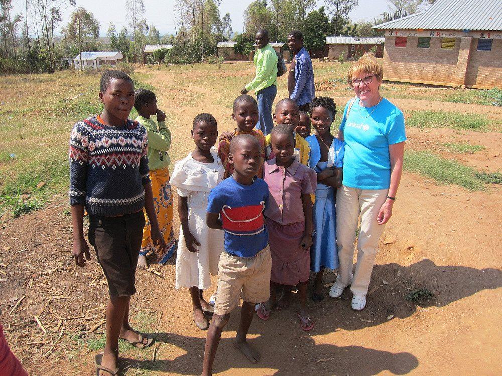 Somerolainen Ritva Gustafsson sai Malawissa iloisen vastaanoton.