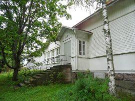 Terttilän koulu tulee myyntiin netissä sivustolla huutokaupat.com.
