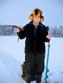 Teuvo Nurmi Teutori pilkkijä pilkillä kalasaalis