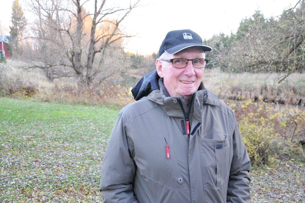 Pekka Alitalo kirjoitti kirjan Suppakuuri. Hän esittelee teostaan tulevana perjantaina 11.11. Someron kirjakaupassa.